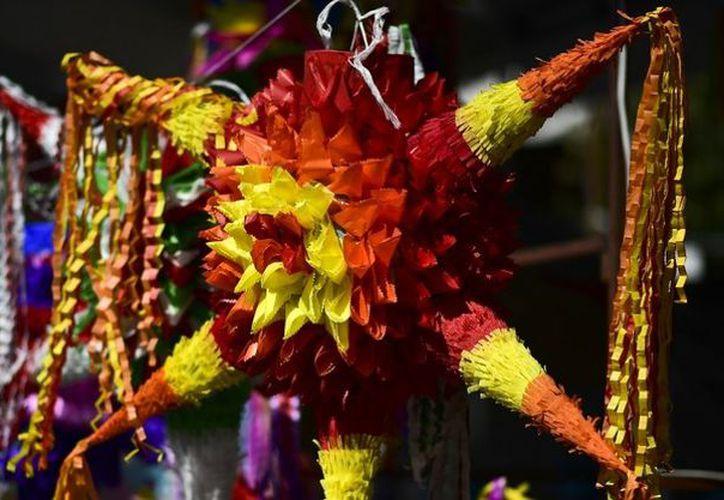 250 artesanos de 40 talleres producen hasta 40,000 piñatas anuales. (Animal Político)