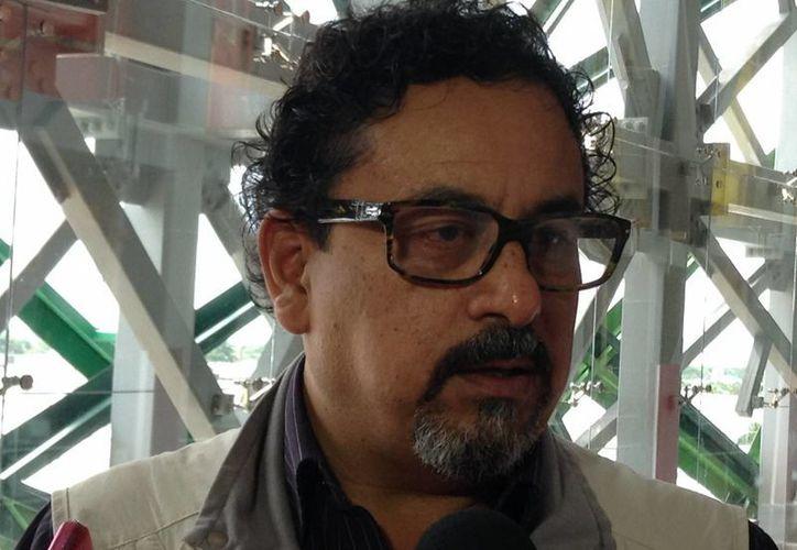 Mientras se estudia si se abre o no un nuevo sitio arqueológico, hoy se consolidan las 17 zonas que ya existen, declaró Eduardo López Calzada, delegado del INAH en Yucatán. (SIPSE)