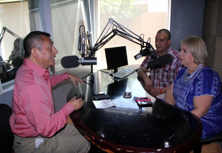 Víctor Chan invitó a participar en la caminata 'Lazo para María'. (José Acosta/SIPSE)