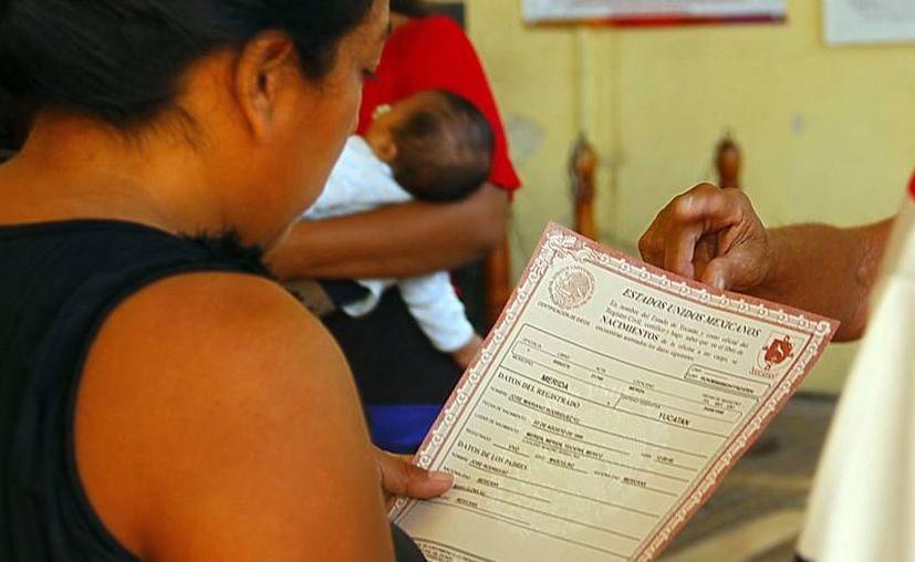 El objetivo de la digitalización es que cada vez más yucatecos cuenten con sus documentos. (Archivo/Milenio Novedades)