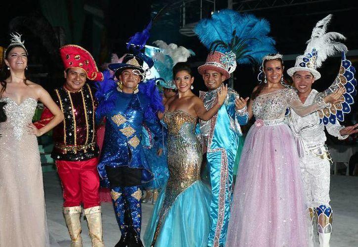 La clasificación de rey y reina son: infantiles, juveniles, soberanos y diversidad sexual. (Archivo/SIPSE)