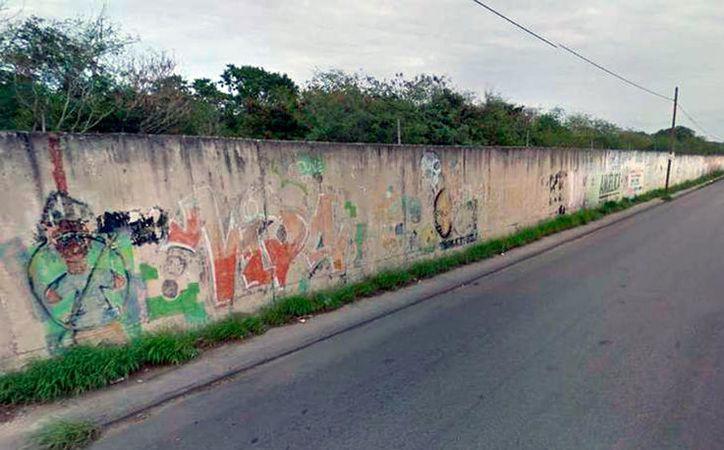 Según la Secretaría de Salud del Estado, en el sur y poniente de Mérida están los focos rojos adicciones, salud mental y conductas antisociales. La imagen es del la barda del aeropuerto de Mérida, en el sur de la ciudad, y está utilizada como contexto. (Archivo/SIPSE)