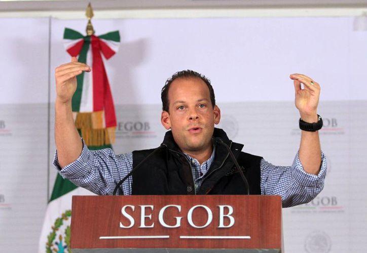 David Korenfeld, titular de la Conagua, en conferencia de prensa para hablar sobre 'Raymond'. (Notimex)