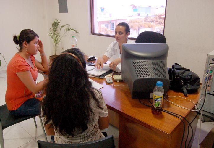 Quintana Roo se ubica entre los seis estados con el promedio de sueldos más altos; sin embargo, es muy difícil que una mujer acceda a éste. (Paola Chiomante/SIPSE)
