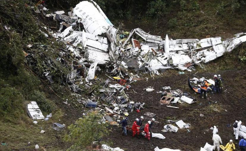 La empresa Lamia y el piloto son los responsables del accidente que acabó con la vida de 71 personas el pasado 28 de noviembre. (Archivo AP/Fernando Vergara)