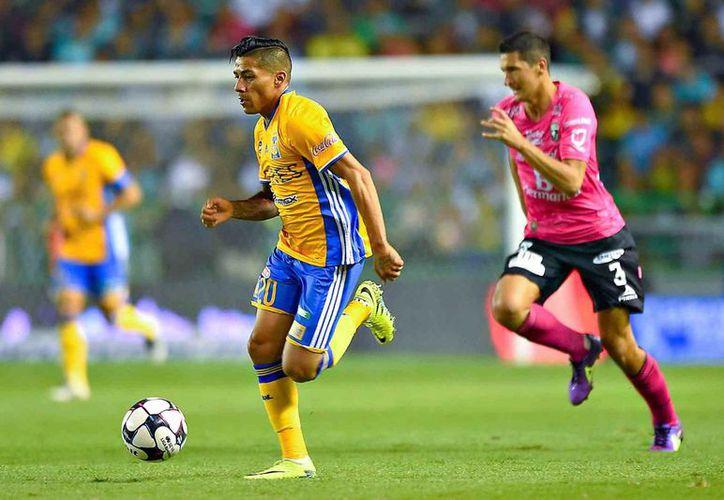 Tigres consiguió una ligera ventaja en el juego de Ida tras vencer 1-0 al Club León, de Javier Torrente.(Notimex)