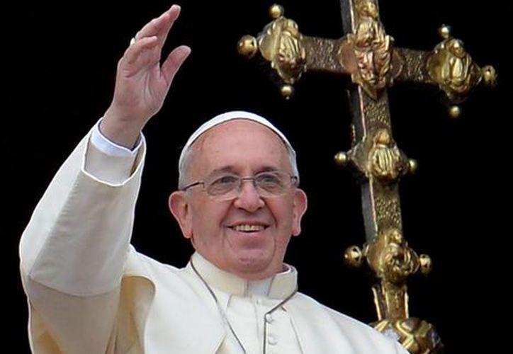Francisco invitó a su antecesor a un almuerzo cuando lo visitó el 23 de diciembre en el monasterio del Vaticano para felicitarlo por la Navidad. (Archivo/EFE)