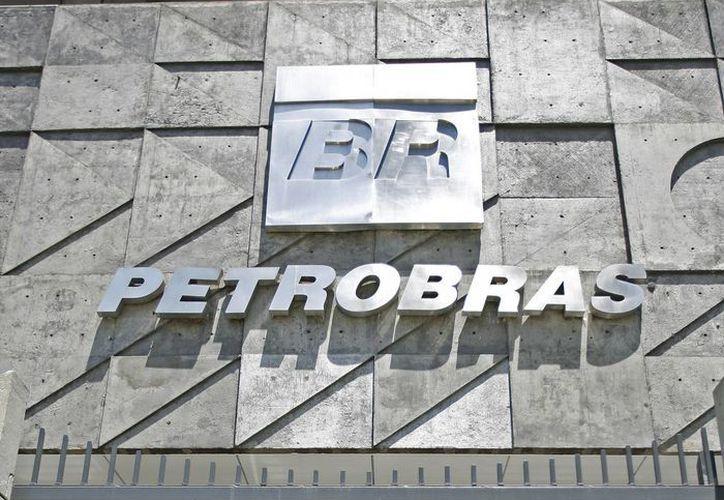 En el caso brasileño, el escándalo de corrupción se refiere al supuesto uso, con base en declaraciones de exdirectivos, de la petrolera estatal como una 'caja recaudadora' de fondos para abastecer campañas políticas. (EFE/Archivo)