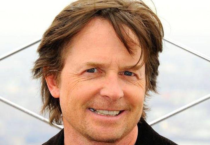 En su regreso a la televisión Michael J. Fox hace el papel del presentador de noticias Mike Henry. (fanpop.com)