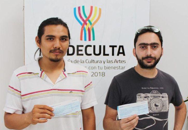Los artistas visuales yucatecos Omar Said Charruf y Emilio Suárez Trejo viajarán a Francia para hacer prácticas y ampliar sus conocimientos. (SIPSE)