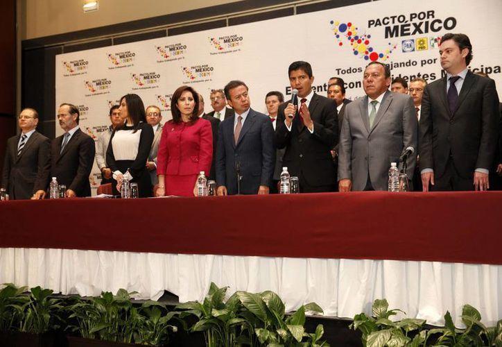 Se llamó Pacto por México a un ejercicio de deliberación en el que había compromisos y agenda específicos mediante el diálogo y búsqueda de acuerdos. (Archivo Notimex)