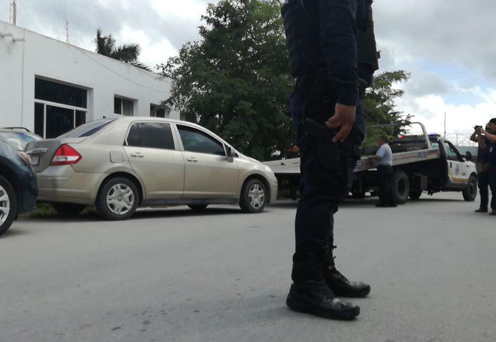 La policía municipal fue la encargada de realizar el operativo en un hotel de la zona. (Gustavo Villegas/SIPSE)