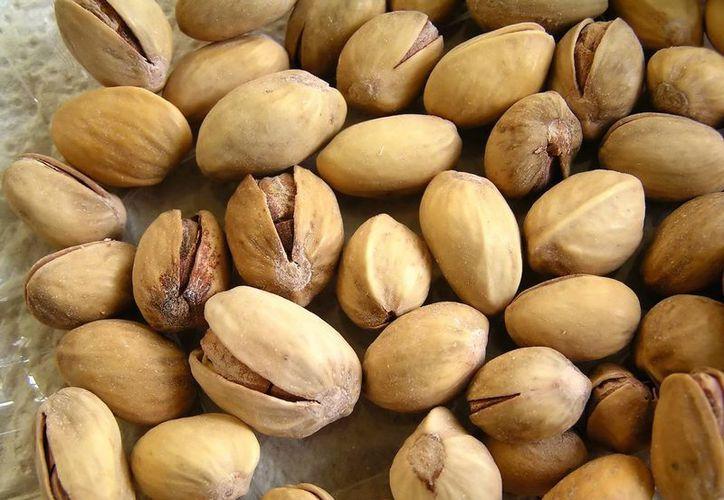 Se recomienda consumir aproximadamente 30 gramos de pistaches al día. (carril10.mx)