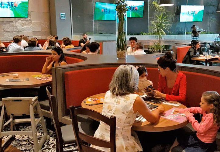 Cada restaurante invertirá cinco mil 600 pesos en la colocación de los equipos, reveló el presidente de la Canirac. (Jesús Tijerina/SIPSE)