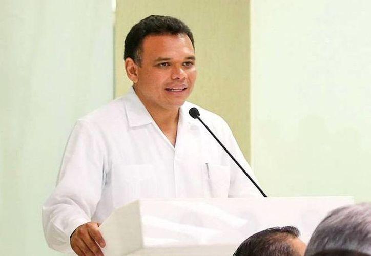 Rolando Zapata Bello solicita que a partir de esta administración los informes sean cada el tercer domingo de enero. (Archivo SIPSE)