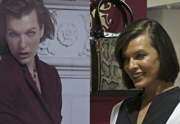 La actriz señaló que le gustaría retomar su faceta de diseñadora de modas con la firma Jovovich-Hawk, la cual interrumpió en 2008. (Agencias)