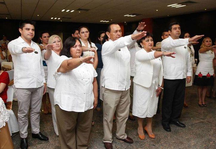 La directiva de la Avipey tomó protesta esta mañana. Agrupa a agencias de viaje minoristas de Yucatán. (Cortesía)