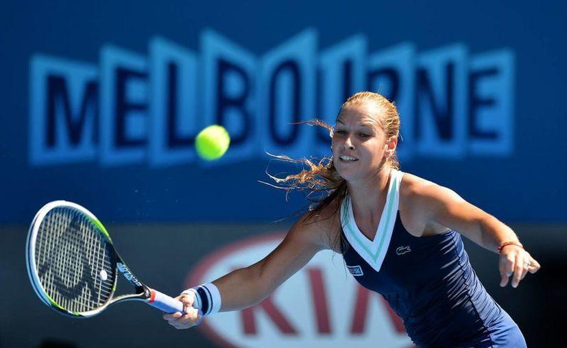 Cibulkova, de sólo 1.61 m de estatura, no sólo jugará su primera final sino que es la primera mujer de Eslovaquia en lograrlo. (EFE)