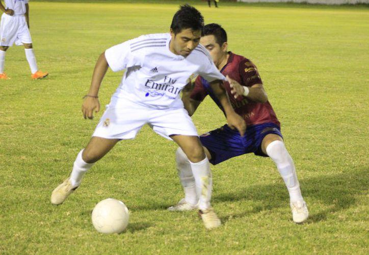 Los espartanos hicieron sufrir al Deportivo García para propinarles una derrota difícil de olvida. (Miguel Maldonado/SIPSE)