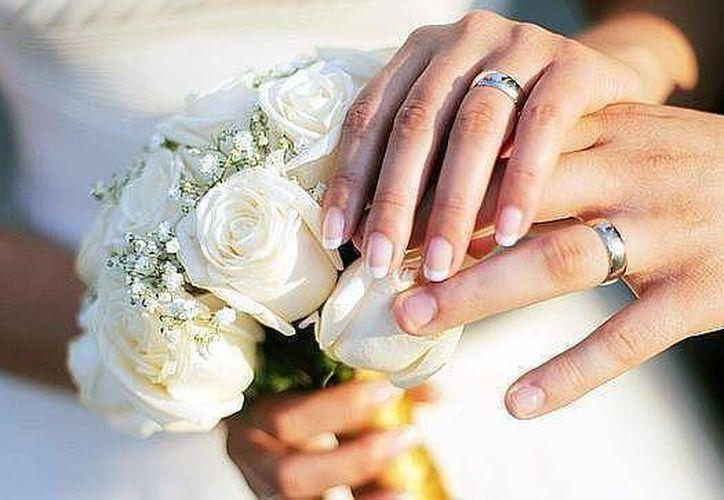 Las parejas que se casarán el 17 de febrero a las 12:00 del día. (Contexto/Internet)