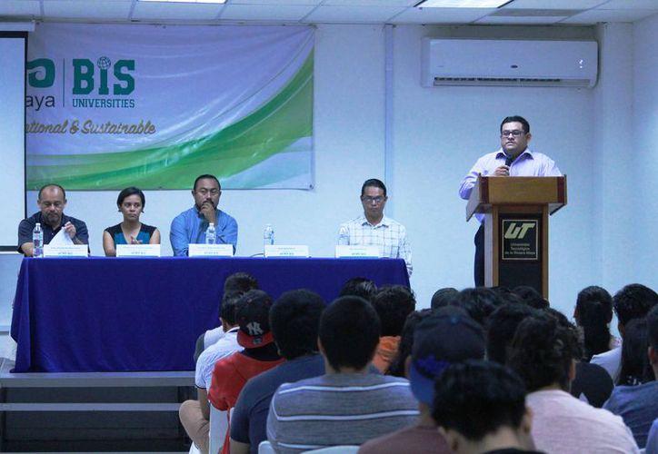 Para el viernes se tienen programadas cinco conferencias. (Octavio Martínez/SIPSE)