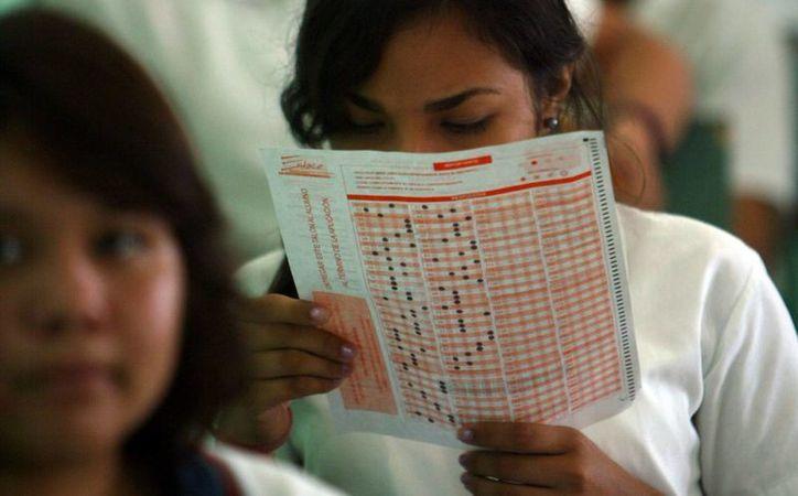 Estudiantes de preparatoria serán evaluados en Matemáticas. (Milenio Novedades)