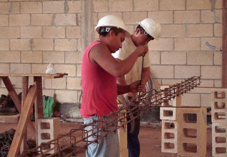 La STPS de Yucatán estima que 2016 cerrará con más de 20 mil nuevos empleos. (Milenio Novedades)
