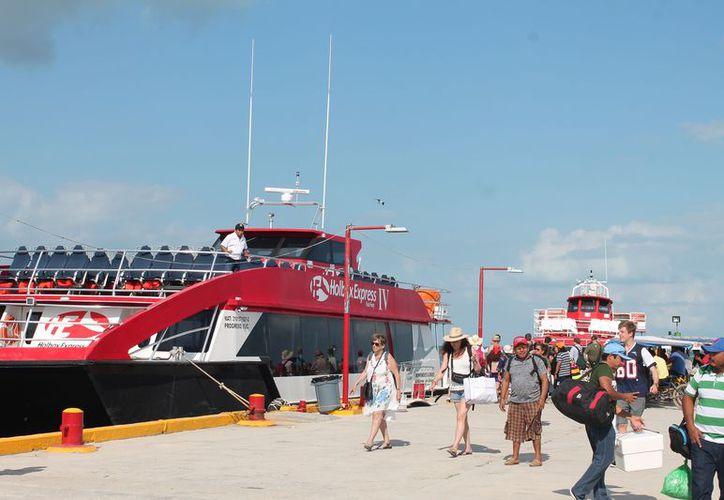 Este sábado se espera el arrido de una gran cantidad de turistas a la isla. (Raúl Balam/SIPSE)
