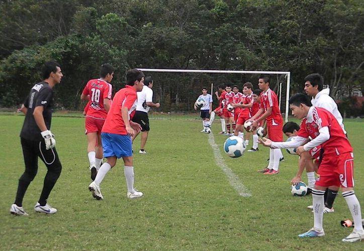 Se terminó la paciencia en Ejidatarios de Bonfil, el fin de semana será crucial para el equipo. (Ángel Mazariego/SIPSE)