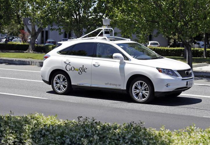 Los automóviles sin conductor de Google han recorrido más de 2.7 millones de kilómetros. (AP)