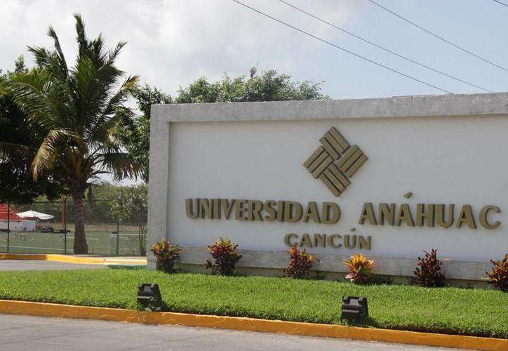 La Universidad Anáhuac lista para recibir a candidatos a debate. (Foto: SIPSE)