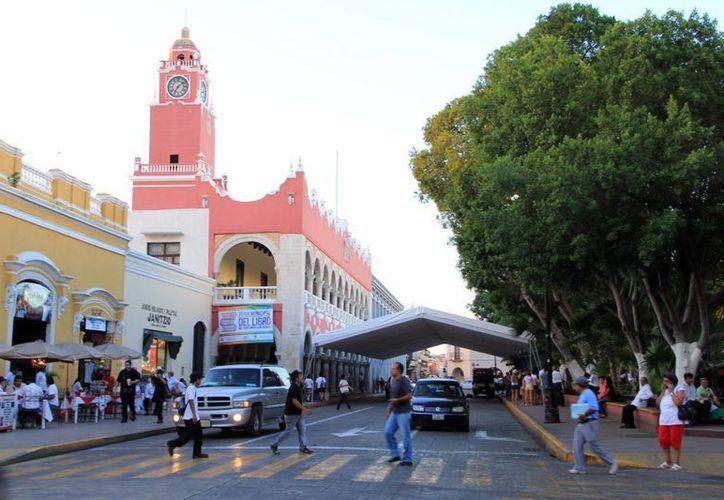 El Informe será mañana a las 20:00 horas, frente al Ayuntamiento. (José Acosta/SIPSE)