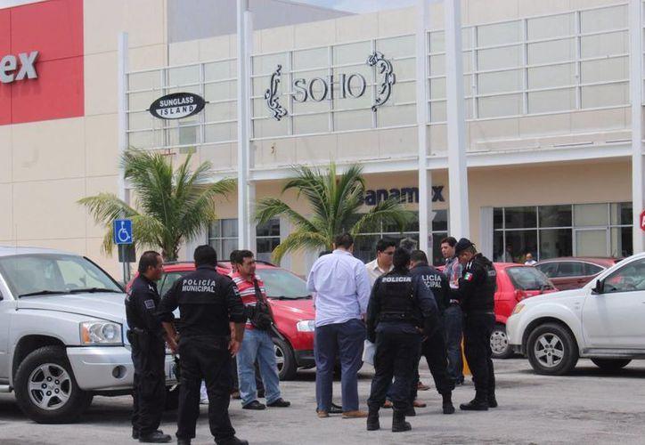 Autoridades policíacas implementaron los protocolos de seguridad. (Josué Massa/SIPSE)