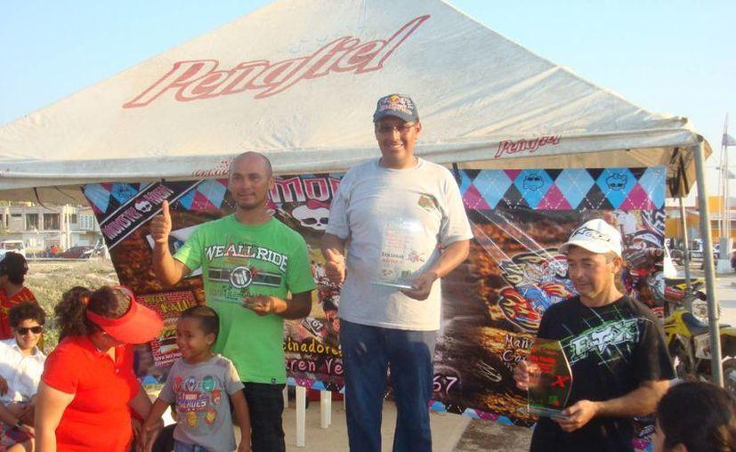 """En la categoría master """"B"""", el experimentado José Delgadillo se llevó los máximos honores; Russel Pérez Concha ocupó el segundo lugar. (Redacción/SIPSE)"""