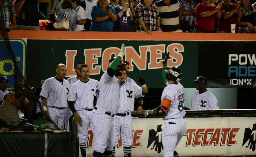 Leones de Yucatán ha comenzado la temporada de una manera inmejorable, hasta el momento son líderes de la zona. (Daniel Sandoval/ Milenio Novedades)
