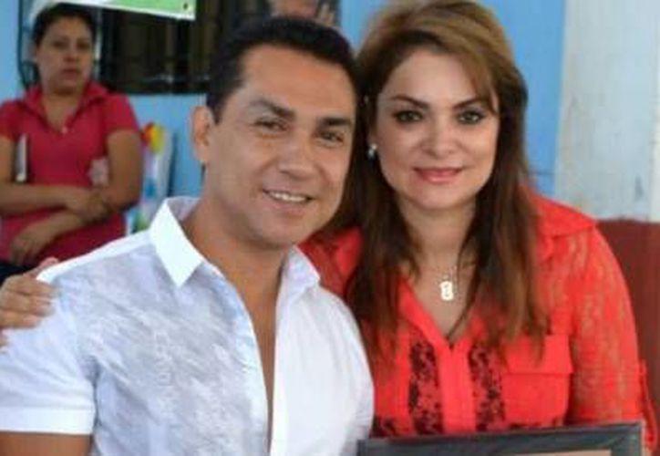 José Luis Abarca Velázquez, y su esposa, María de los Ángeles Pineda fueron trasladados a as instalaciones de la Subprocuraduría Especializada en Investigación de Delincuencia Organizada (SEIDO). (Archivo)