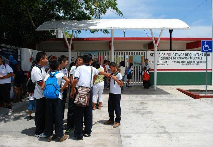 Alumnos egresados del CAM tienen limitantes para estudiar la secundaria. (Tomás Álvarez/SIPSE)