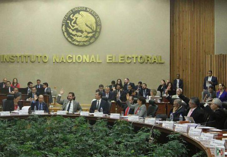 El INE solicitó, dentro de su presupuesto para el próximo año, dos mil 74 millones para proyectos especiales. (Notimex)