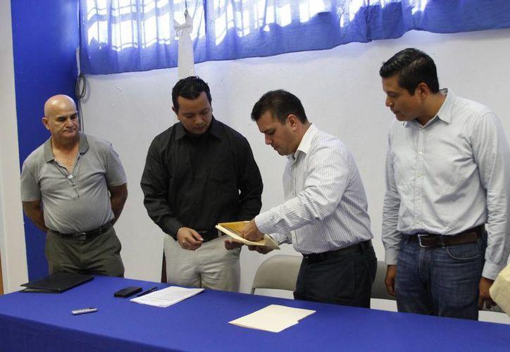 Mahmud José Chnaid Novelo es uno de los aspirantes a contender por una diputación federal. (Harold Alocer/SIPSE)