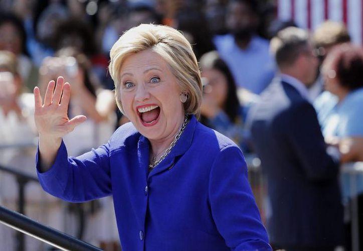 Las mujeres son quienes más apoyan a quien fuera Secretaria de Estado durante el mandato de Barack Obama. (EFE)