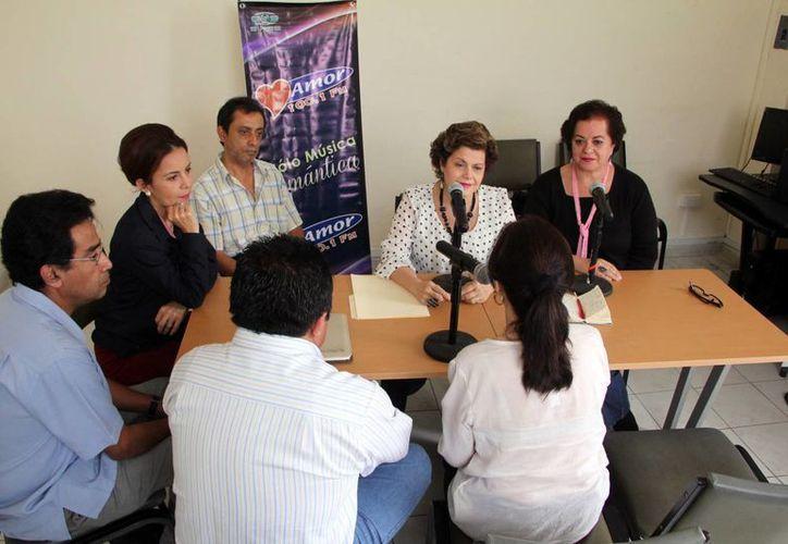 El programa radiofónico Salvemos Una Vida fue transmitido esta vez desde las instalaciones del Centro de Integración Juvenil (CIJ) Mérida. (José Acosta/SIPSE)