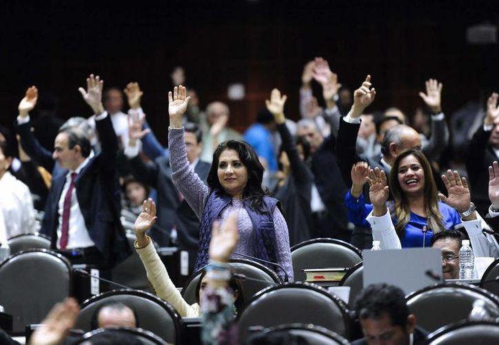 Según ONU Mujeres, en los partidos también hay una nítida preferencia por candidaturas masculinas. Imagen de contexto de la Cámara de Diputados de México. (Archivo/Notimex))