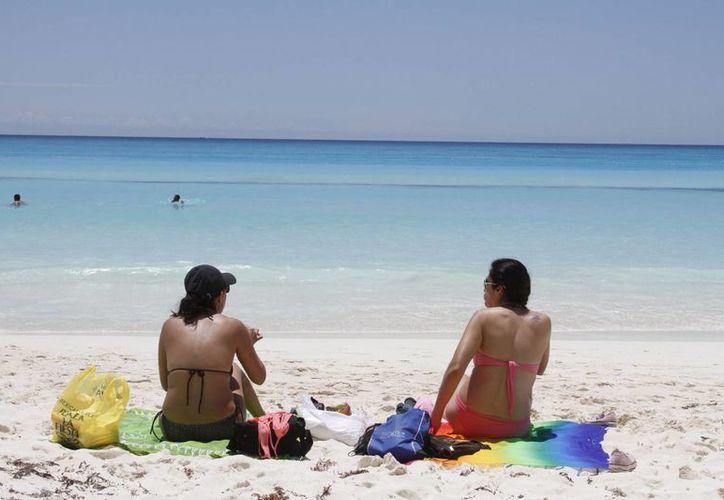 Prevén incremento de arribo de turistas el próximo mes. (Victoria González/SIPSE)