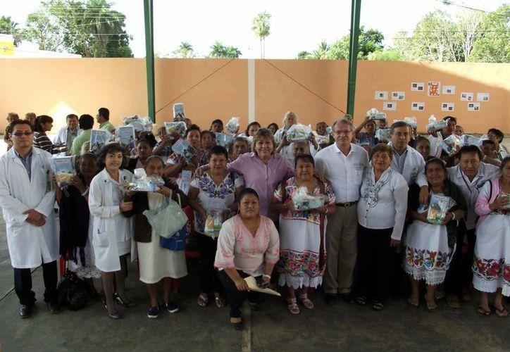Parteras de 41 municipios de Yucatán intercambiaron puntos de vista sobre su labor. (SIPSE)
