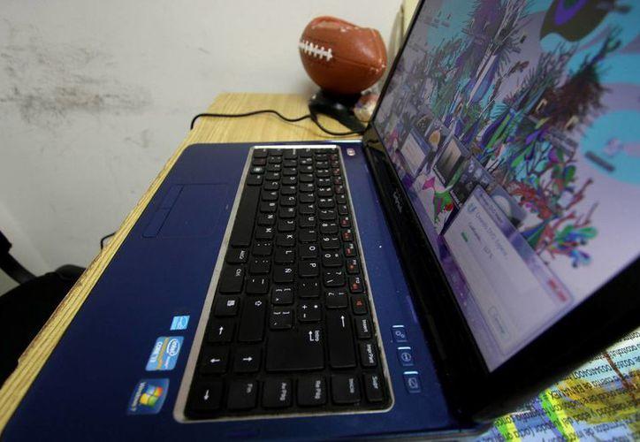 """Ocho de cada 10 niños de padres """"cibernautas"""" tienen acceso a internet. (Francisco Gálvez/SIPSE)"""