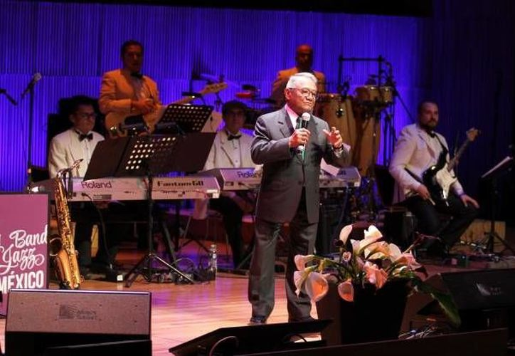 En el concierto se pudo escuchar la gran mayoría de los éxitos del cantante Juan Gabriel, quien falleciera hace una semanas. (Notimex)