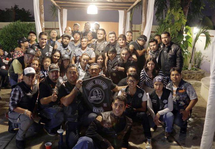 El club reunió alrededor de 250 motociclistas, quienes por una semana visitarán diversos lugares. (Israel Leal/SIPSE)