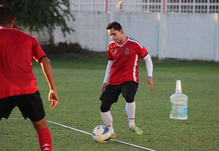 Los jugadores de Pioneros de Cancún están listos para el encuentro de la jornada 16. (Raúl Caballero/SIPSE)