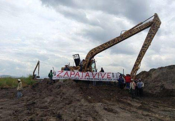 Los habitantes de San Salvador Atenco anunciaron que reactivarán su lucha por los terrenos donde se levantará el nuevo Aeropuerto de la Ciudad de México. (Milenio)