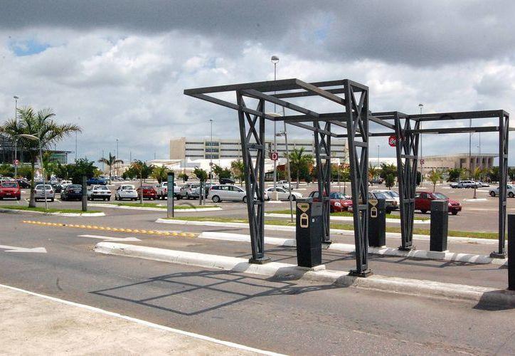 Plaza Altabrisa expresa que está al pendiente de las opiniones de sus clientes. En la imagen, el área de estacionamiento. (José Argüelles/SIPSE)